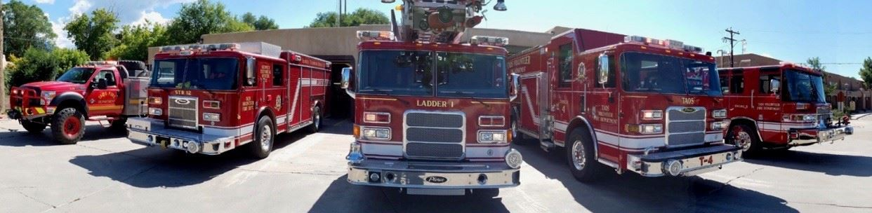 Picture Fire Department_Trucks